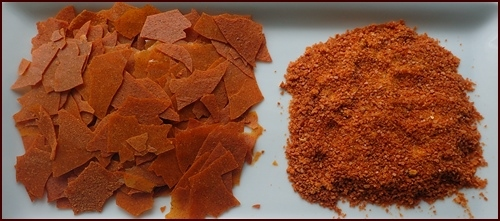 Dehydrated Sweet Potato Pudding. Bark on left, powdered on right.